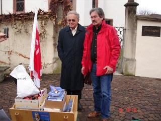 Alt-Bundesrat Otto Stich mit Ständeratskandidat Roberto Zanetti